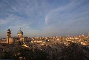 1024px-Reggio_emilia_panorama_e_Ghiara